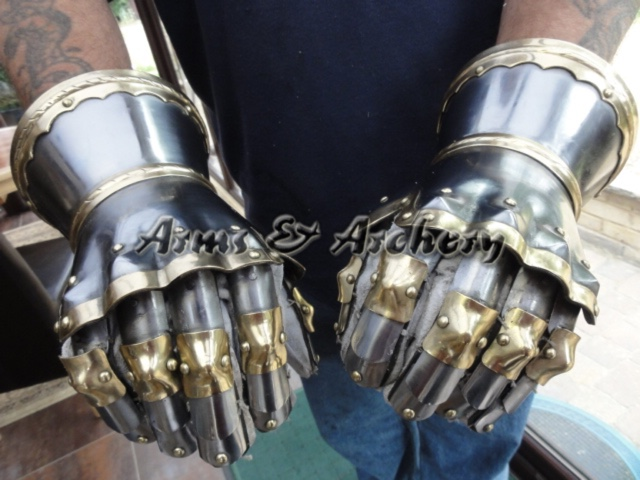 King's gauntlets
